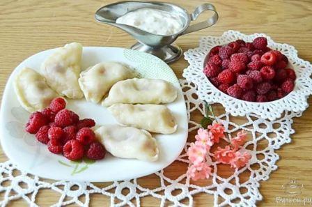 Простой рецепт вареников из малины