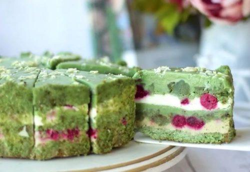 фисташково малиновый торт