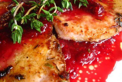 Малиновый соус для салатов и вторых блюд